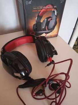 Auriculares gamer reparados