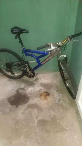 Bicicleta mongoose doble suspensión  original traída de Estados Unidos los papeles no se encuentran
