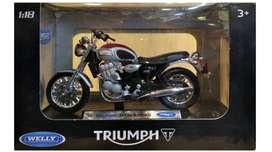 Moto 2 Triumph Thunderbird / Escala 1:18