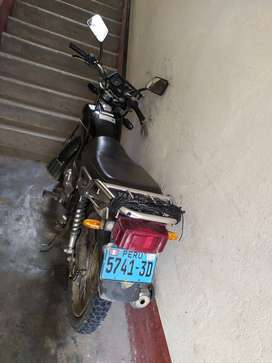 Vendo moto lineal Yamaha