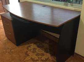 Vendo escritorio usado en excelentes condiciones