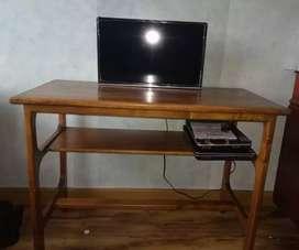 Práctico escritorio en madera