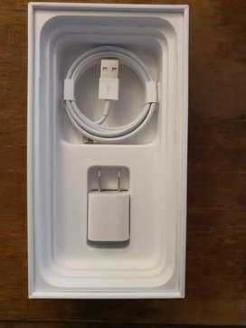 Cargador de iPhone original y sellado