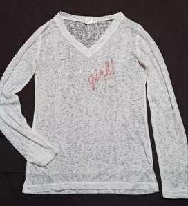 Hermosa blusa blanca semitransparente para adolecente economica, en exelente estado talla M pequeña