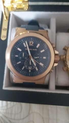 Vendo reloj mk como nuevo