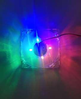 COOLER CON LEDS RGB LUCES PARA  GABINETE O FUENTE. 8X8 CM