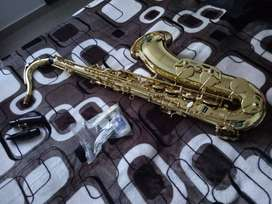 Saxofon Tenor marca Scala excelente estado