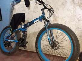 Vendo ya bici.llanta ancha.aro 26 frenos disco.precio negociables