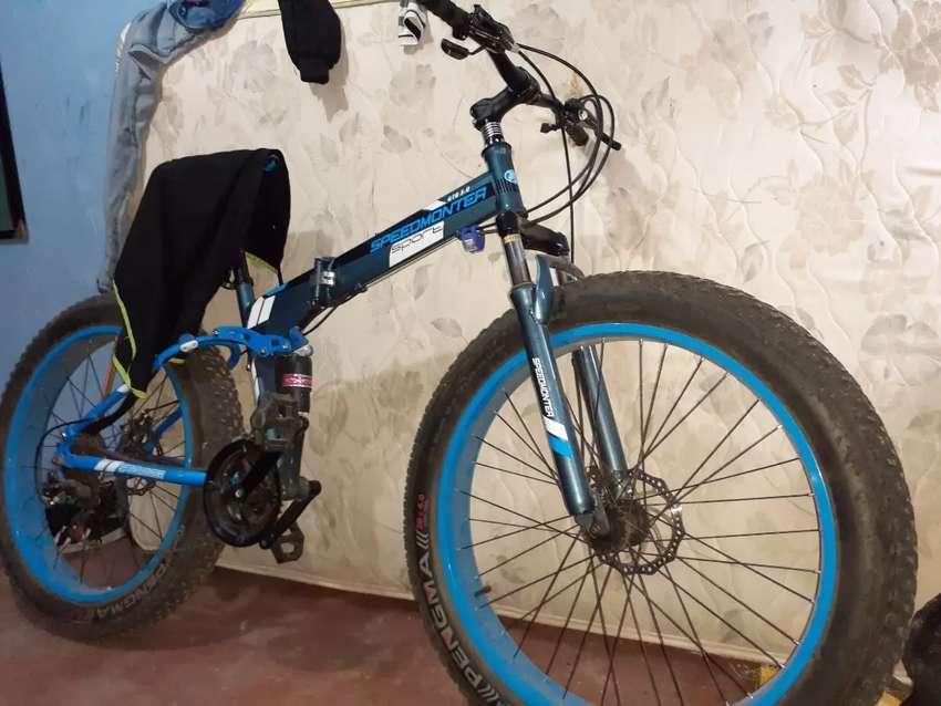 Vendo ya bici.llanta ancha.aro 26 frenos disco.precio negociables 0