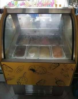 Se vende congelador de gelato de 8 azafates