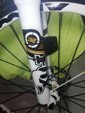Bicicleta marca TREK 9.8