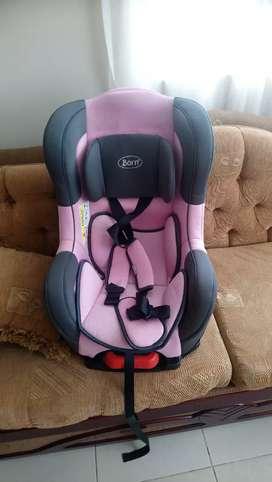 Vendo aciento de bebe para auto marca born