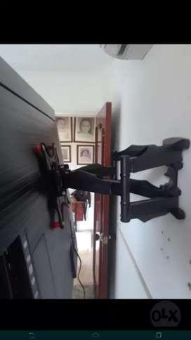 Se instalan bases movibles para televisores