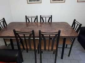 Mesas con seis sillas