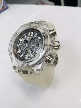 Reloj transparente