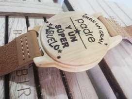 Relojes personalizados en madera
