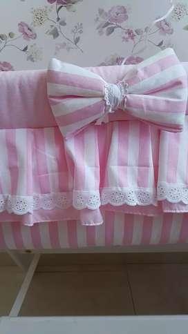Catre - Moisés para bebés rosa con blanco pique