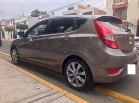 Vendo Hyundai Accent Hacthback 2013