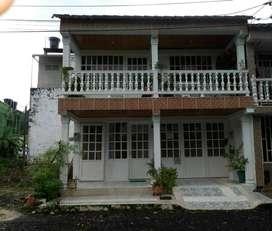 Se vende casa en Urbanización Gramalote sobre avenida via Acacias