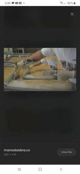 Trabajo con fibra de vidrio y pinto