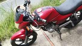 Moto Honda Estorm