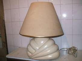 lamparas de cerámica varias 5 en total.3 con pantallas