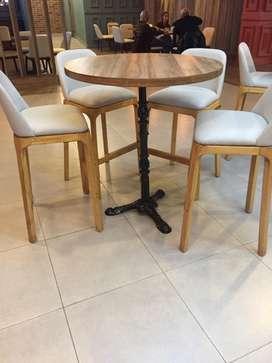 Mesa y silla para espacios publicos elegantes