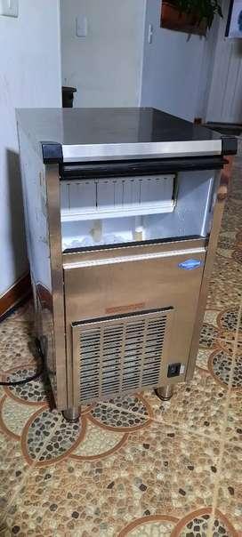 Máquina Fabricadora de Cubos de hielo
