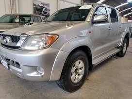 Toyota Hilux 3.0 Srv Automatica Año 2005. Excelente estado
