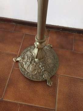 Lámpara de pie en bronce