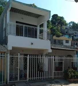 Se vende casa + apartamento al lado