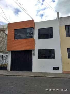 Vendo Casa Bien Ubicada en Latacunga