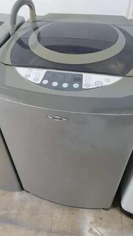 Vendo lavadora haceb de 27 libras