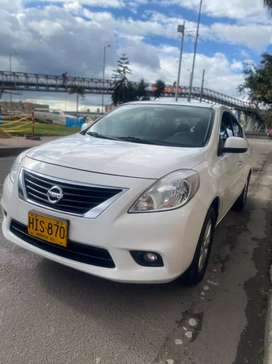 Venta carro Nissan Versa Advance Full equipo