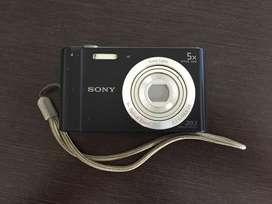 CAMARA DIGITAL SONY CYBER-SHOT DSC-W800