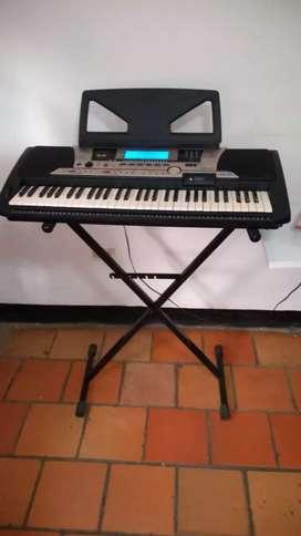 Piano Yamaha PSR - 550