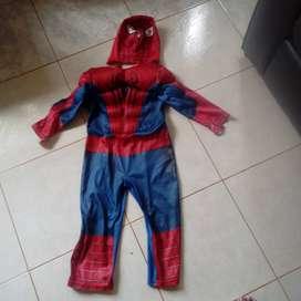 Disfraz Spiderman y capitan america