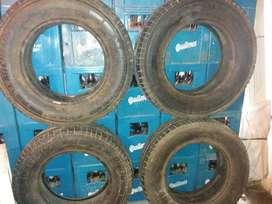 Vendo 4 Cubiertas Michelin 215 75r16