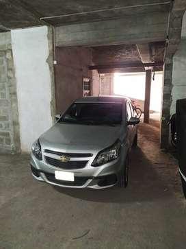 Oportunidad de inversión!! Súper amplia cochera para auto y varias motos + baulera en VENTA, Moreno al 300, Barrio Sur