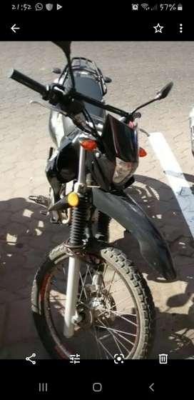 Vendo moto Yamaha 125 xtz o cambio mas dinero a mi favor