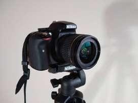 Cámara profesional DSLR Nikon D3300 en muy buen estado