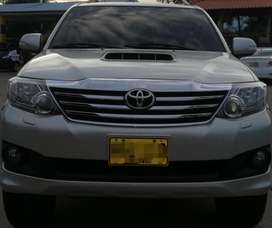 Toyota Fortuner 2014. 3.0 Aut