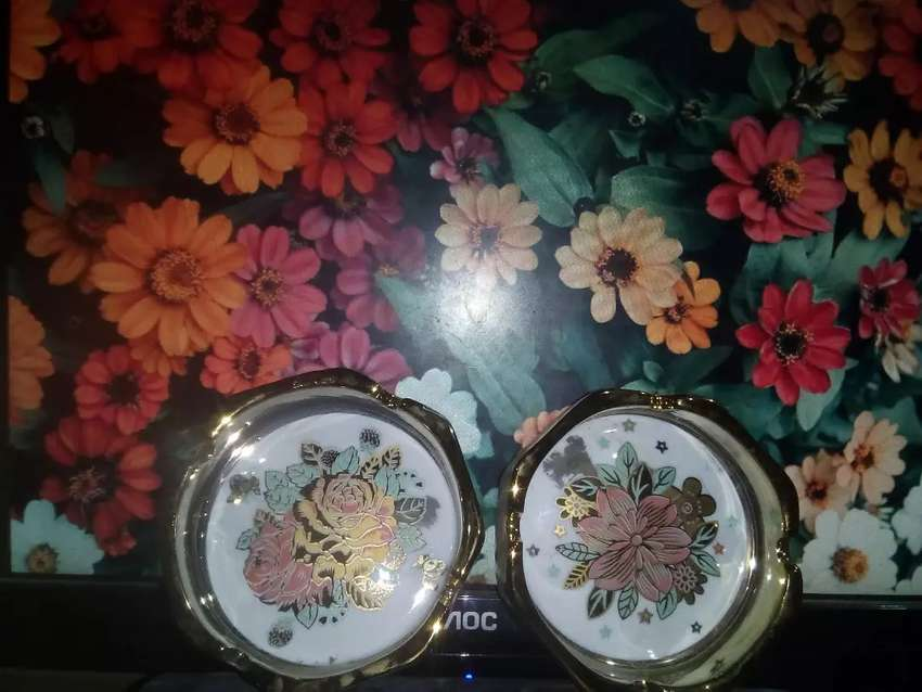 Ceniceros florales 0