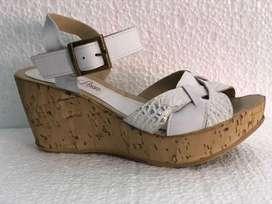 sandalias de cuero liquido!
