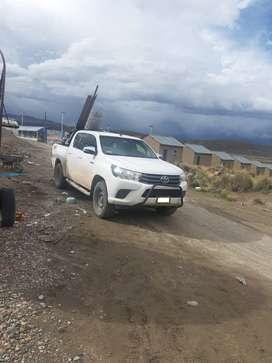 Alquiler de camioneta en la región Puno, 67 dólares por día