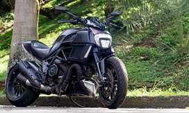 Ducati Diavel Dark 1200 modelo 2015