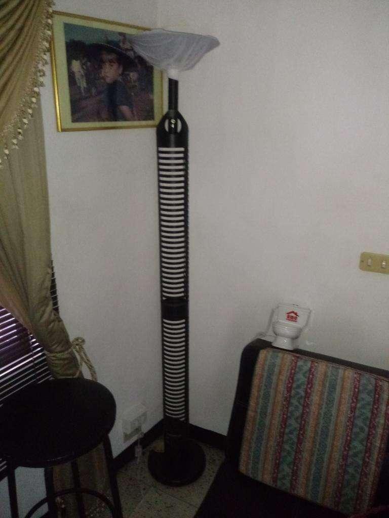 Lámpara Torre para Cds 0
