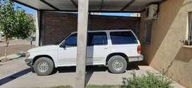 Camioneta ford explorer 4.0 6v 1998 con gas . Motor rectificado hace dos año estereo con pantalla cubiertas nuevao