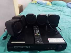 Reproductor Blu-ray c/5 parlantes LG. PIURA