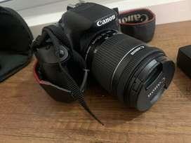 Cámara Canon T3i con lente 18-55 mm